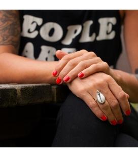 Bague Femme, Création Banditas, Véritable coquillage Cowri monté sur Argent et boules d'Argent, travail fait main