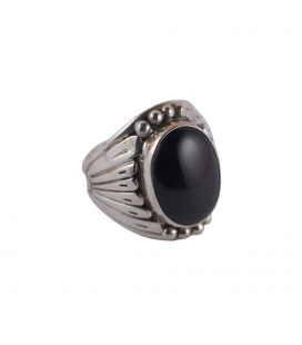 NATIVE AMERICAN NAVAJO RING, SILVER AND ONYX, MEN AND WOMEN