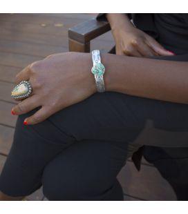 """Bracelet """"half-round """" Banditas Créations, en Argent estampé et Turquoise Royston, fait main, pour femme"""