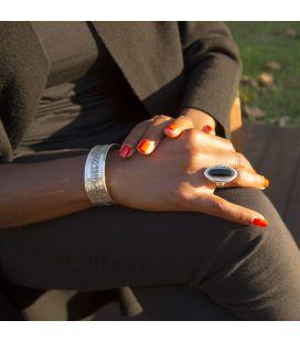 BAGUE TOUAREG LONGUE EN ARGENT GRAVE ET ONYX, COLLECTION AFRIQUE, POUR FEMME