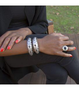 BAGUE TOUAREG RONDE EN ARGENT GRAVE ET ONYX, COLLECTION AFRIQUE, POUR FEMME