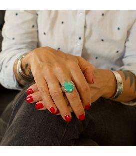 Bague Zuni ovale, Argent et Turquoise, pièce unique par Johnson Laweka, pour homme ou femme